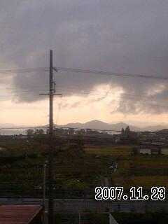 071123 曇り時々雨