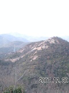 071230-4 紅山岩稜