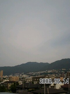 080614 今日は薄曇り