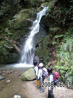 080615-2 芳山から鴬の滝