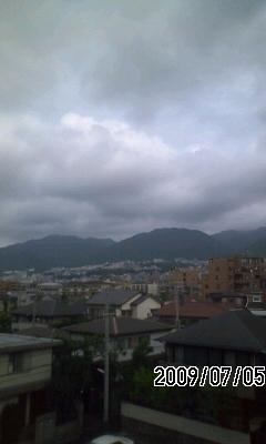 090705 今日は曇りのち雨