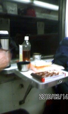 100214-2 列車酒場