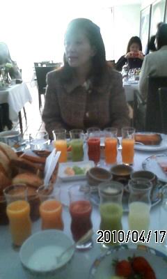 100417-2 世界一の朝食