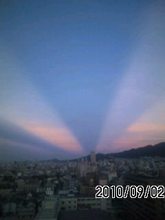 100902 地震雲