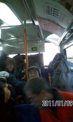 110109 バスは満員