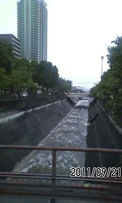 110921 台風15号
