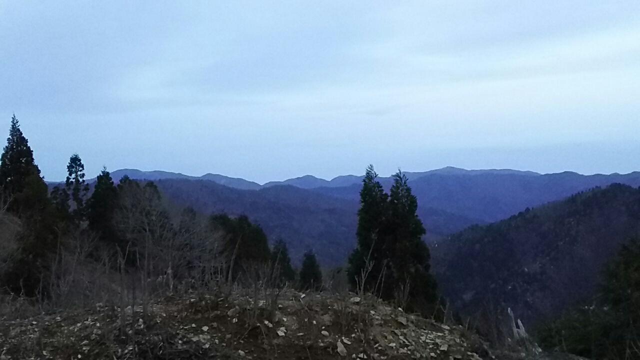 160407 雨の三国岳から無事下山