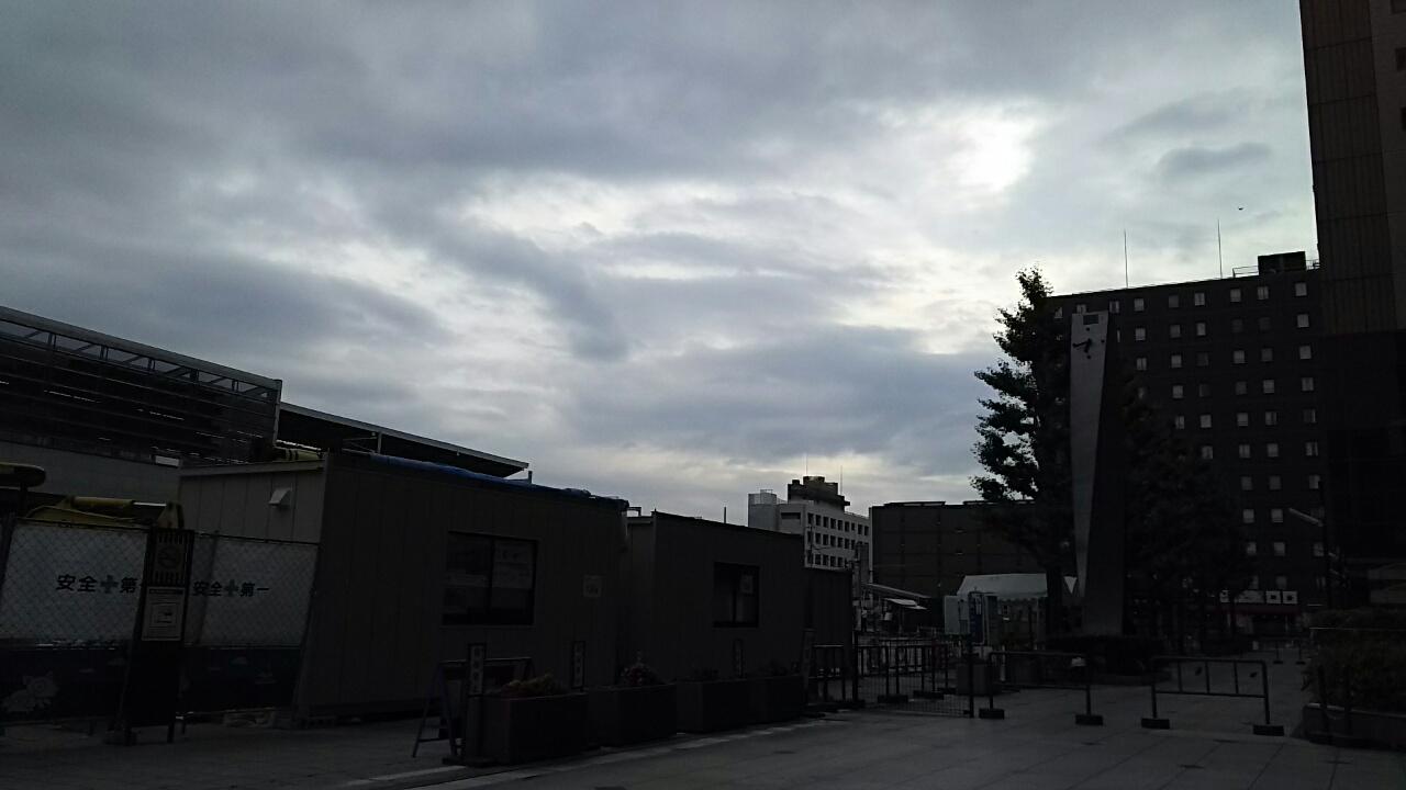 160612 今日も曇り空