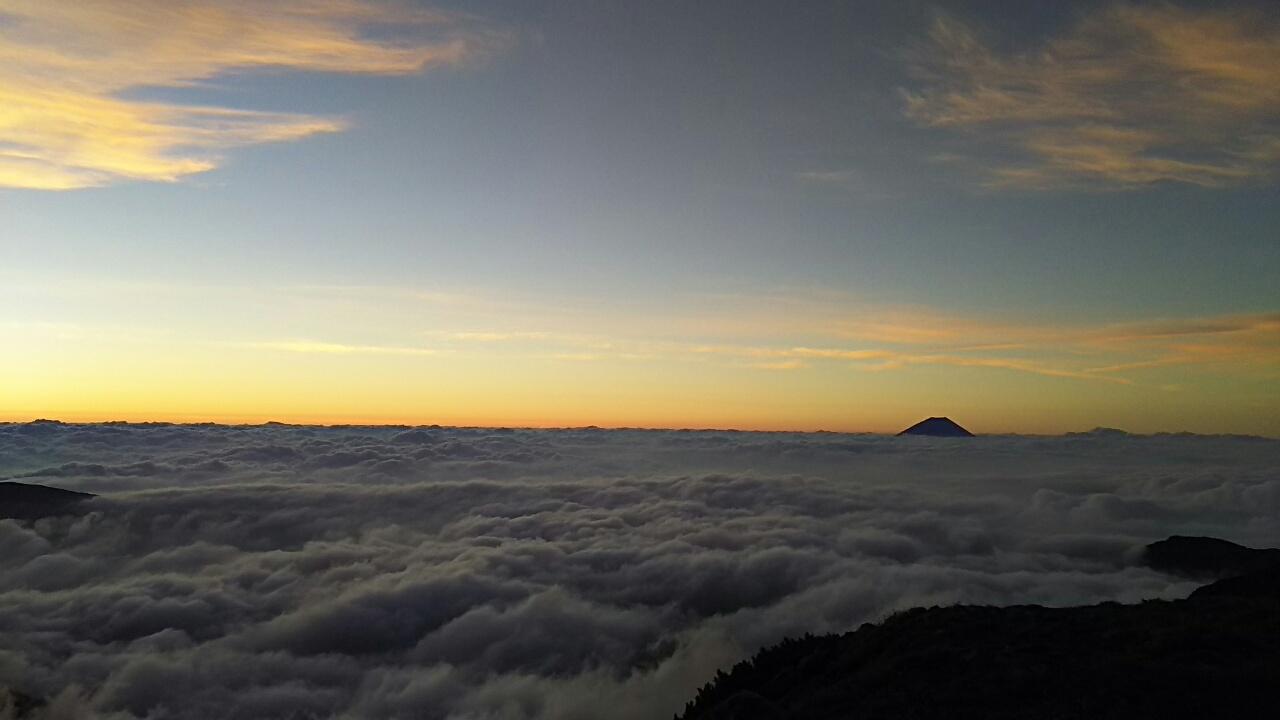 160812 間ノ岳、農鳥岳から大門沢小屋まで12時間のロングコース