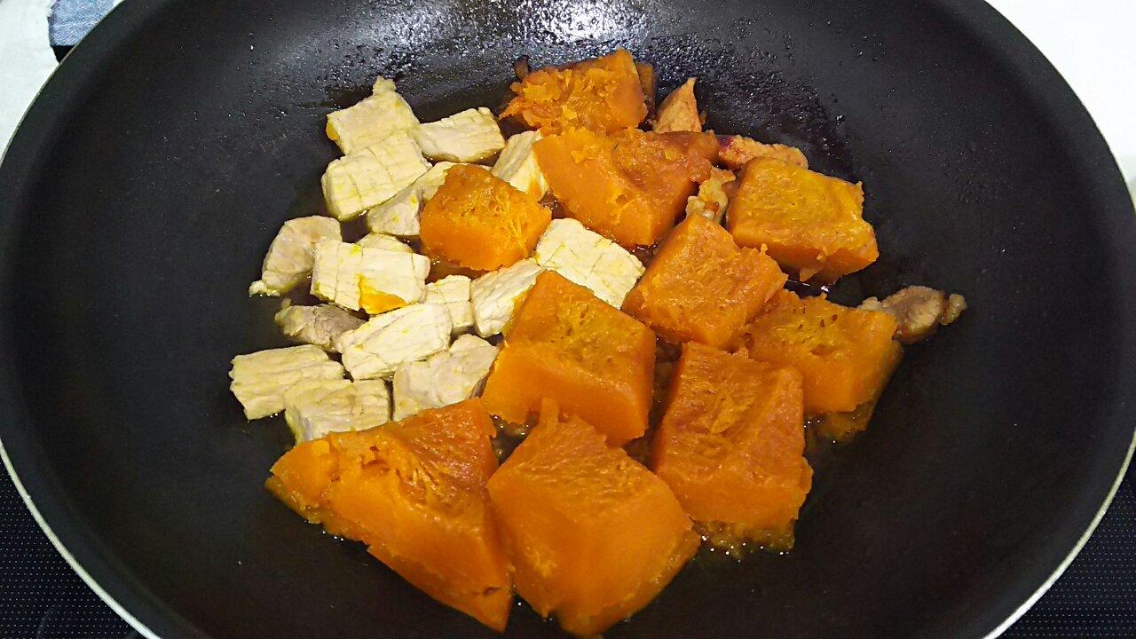 171102 かぼちゃと豚肉の煮物